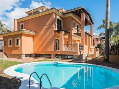 Move To Spain - 6 bed villa in Marbella East