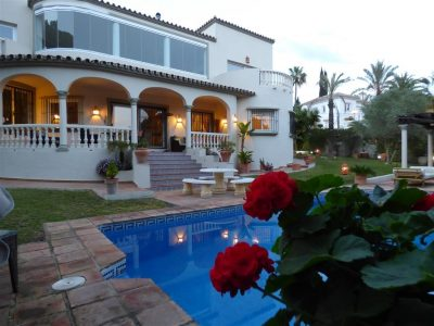 Move To Spain - 5 bed villa in Marbella East