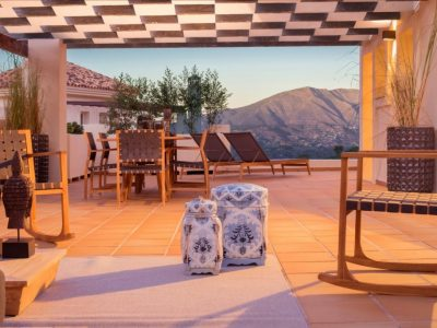 Move To Spain - 2 bed penthouse in Marbella East