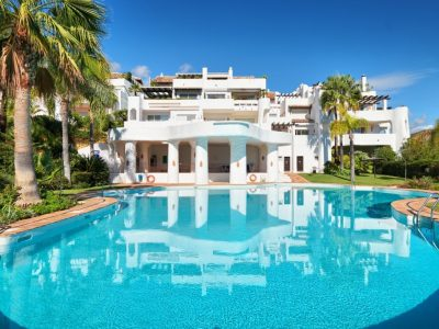 Move To Spain - 3 bed apartment in La Quinta Golf