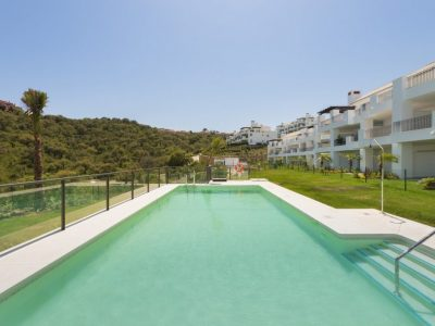 Move To Spain - 3 bed apartment in Marbella East