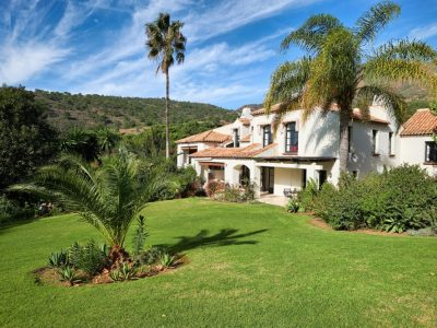 Move To Spain - 10 bed villa in