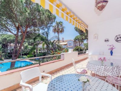 Move To Spain - 3 bed apartment in Estepona