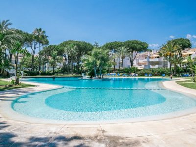 Move To Spain - 5 bed apartment in Estepona