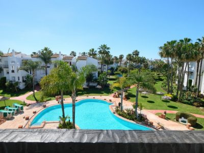Move To Spain - 2 bed apartment in East Estepona Playa
