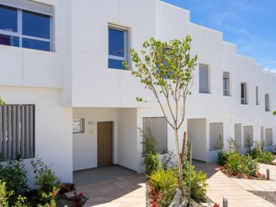 Move To Spain - 3 bed town house in West Estepona