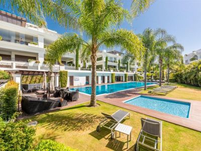 Move To Spain - 3 bed penthouse in Estepona Centro