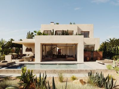 Move To Spain - 4 bed villa in Marbella East