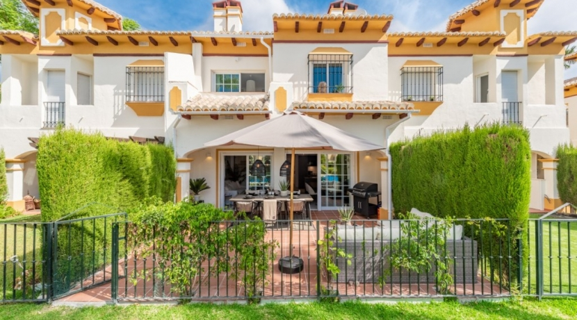 Move To Spain - 4 bed town house in Marbella