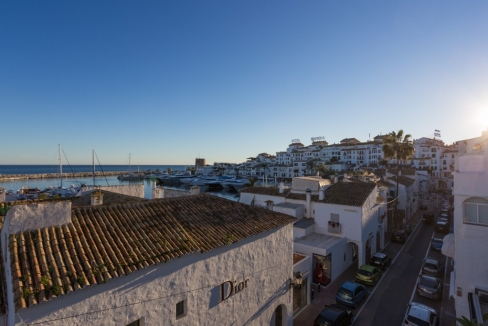 Move To Spain - 2 bed penthouse in Marbella